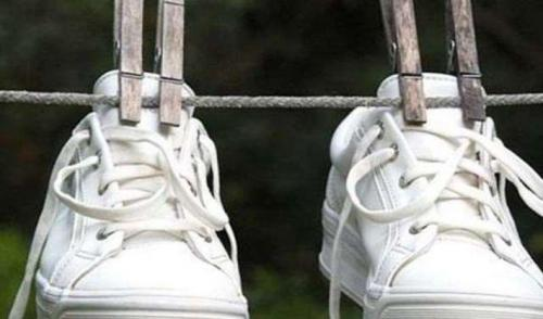 Как убрать запах из обуви лайфхаки. 14 способов избавиться от запаха в обуви