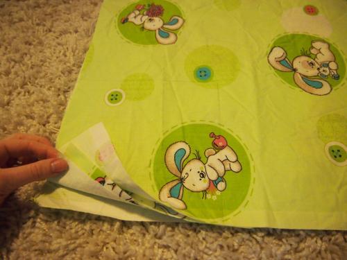 Как сшить простынь на резинке на детскую кроватку. Простынь на резинке в детскую кроватку своими руками