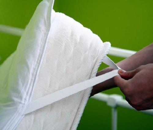 Как пришить резинку на готовую простынь. Как закрепить простынь на матрасе, чтобы она не сползала