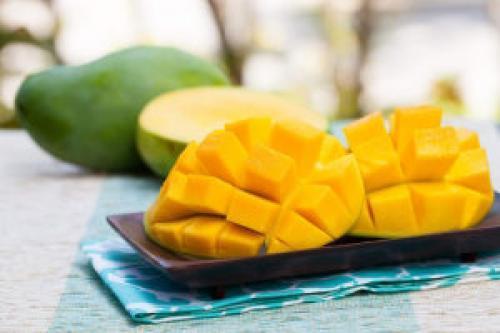 Как правильно есть манго. Как чистить и правильно есть манго, чтобы от тропического фрукта была только польза и никакого вреда для организма