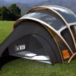 Компания Orange представила концепт палатки из фотогальванической ткани, способной аккумулировать солнечную энергию.
