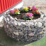 Габионы, как контейнеры для цветочных, овощных и декоративных растений.