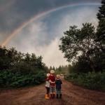 Meg Loeks - фотограф, а так же мама трех мальчишек, создает волшебные снимки детства своих взрослеющих детей.