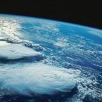 Ученые выяснили, что ни одна из 700 миллиона триллионов планет в космосе не похожа на землю.