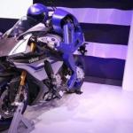 Yamaha создала робота - мотоциклиста.