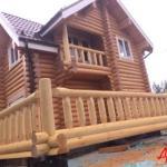 Экстерьер деревянного дома из оцилиндрованного бруса с террасой в г. Архангельск!